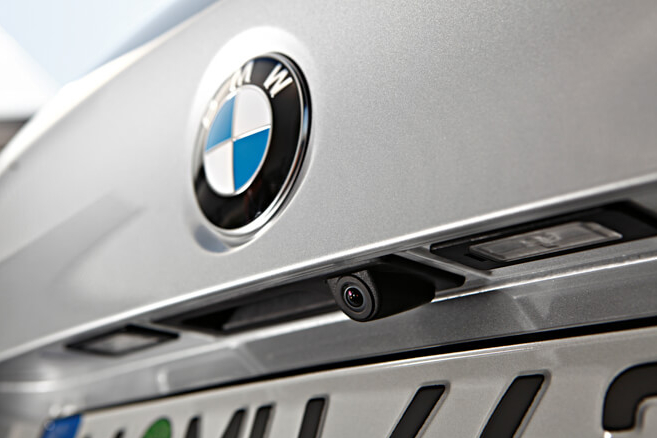 How To Choose the Best Rear View Camera Retrofit for Your BMW