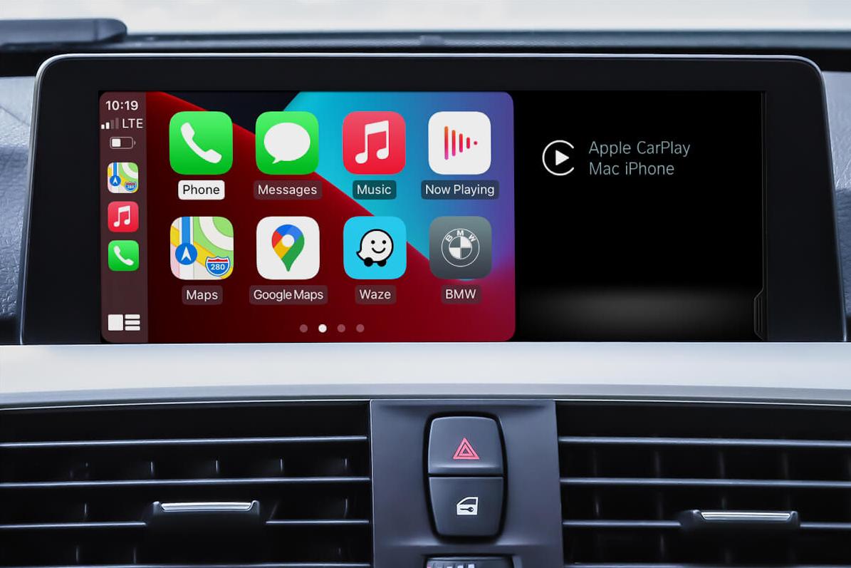 Apple CarPlay spli-screen