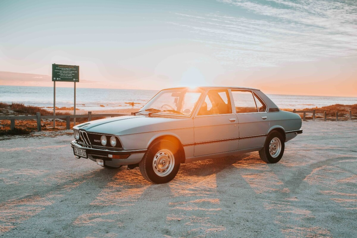 How to play with natural light for car photography