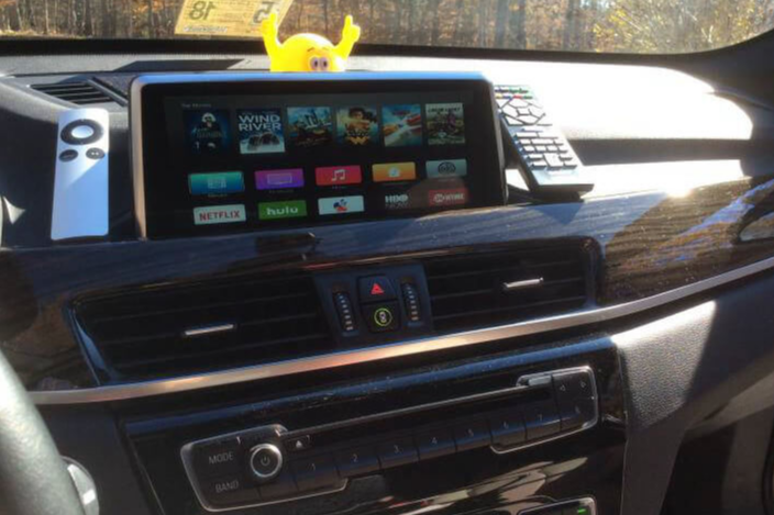 A 2016 BMW X1 F48 iDrive with Apple TV