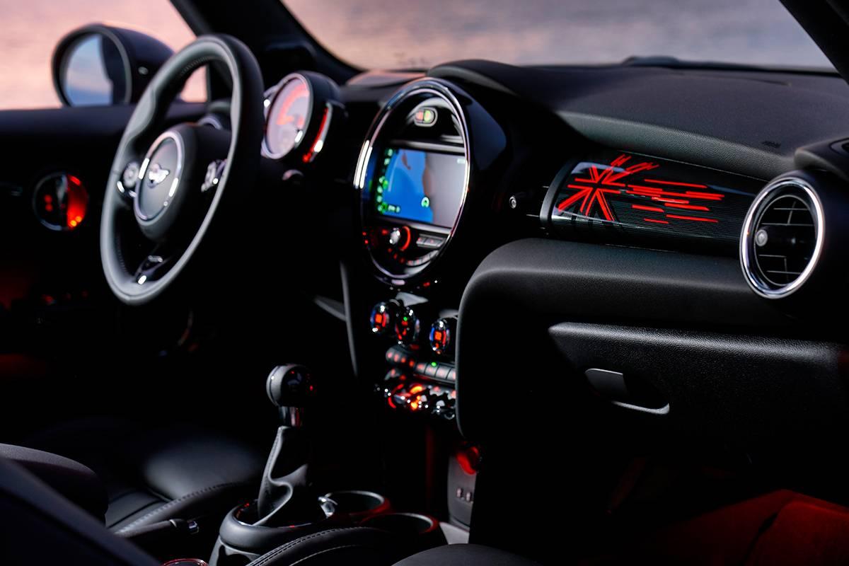 How to upgrade Apple CarPlay in MINI Cooper