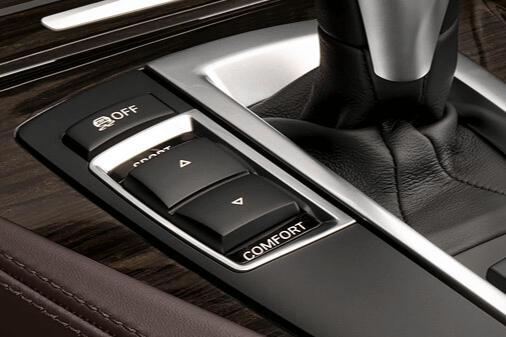 driving dynamic selector button on the BMW console panel