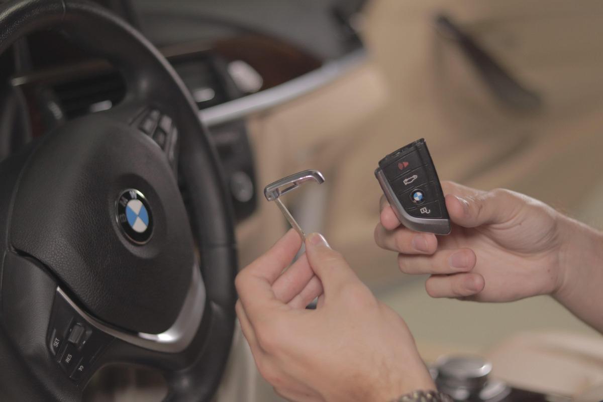BMW key blade