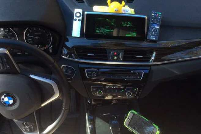 A BimmerTech SmartView HD kit in operation